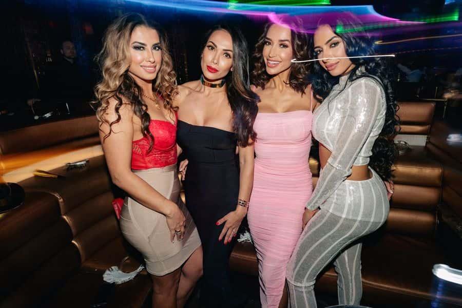 Bachelor Vegas Pool Parties   Vegas pool party, Vegas